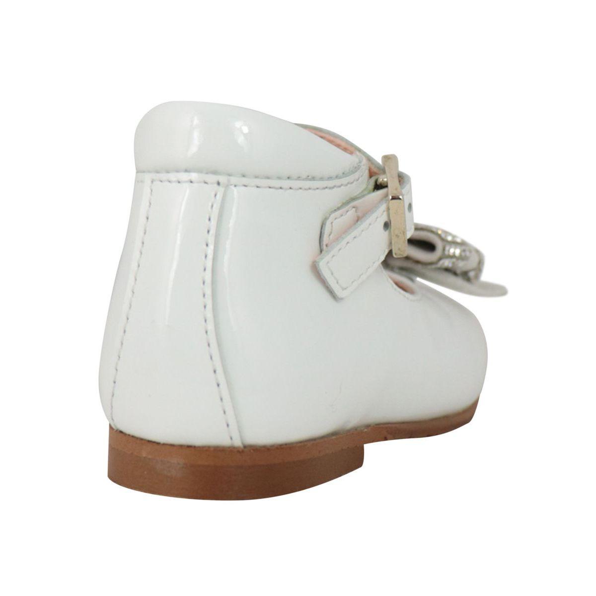 Ballerina shoe in shiny leather with rhinestone bow White Clarys