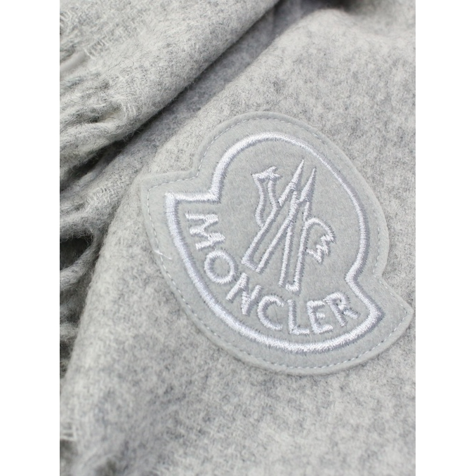 Wool scarf with fringes Light grey Moncler