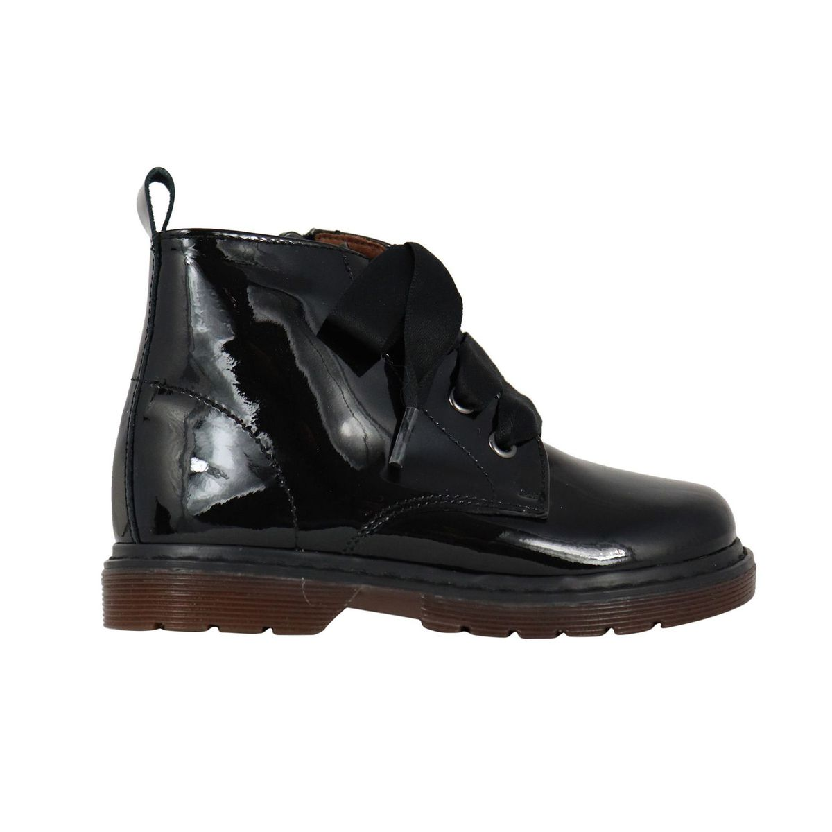 Shiny leather ankle boot with satin laces Black Clarys