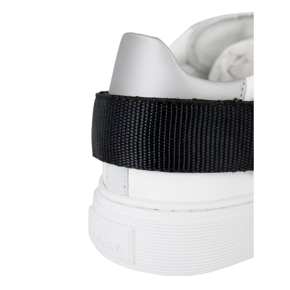 Sneakers in leather with contrasting tears on the 365 bottom White Hogan